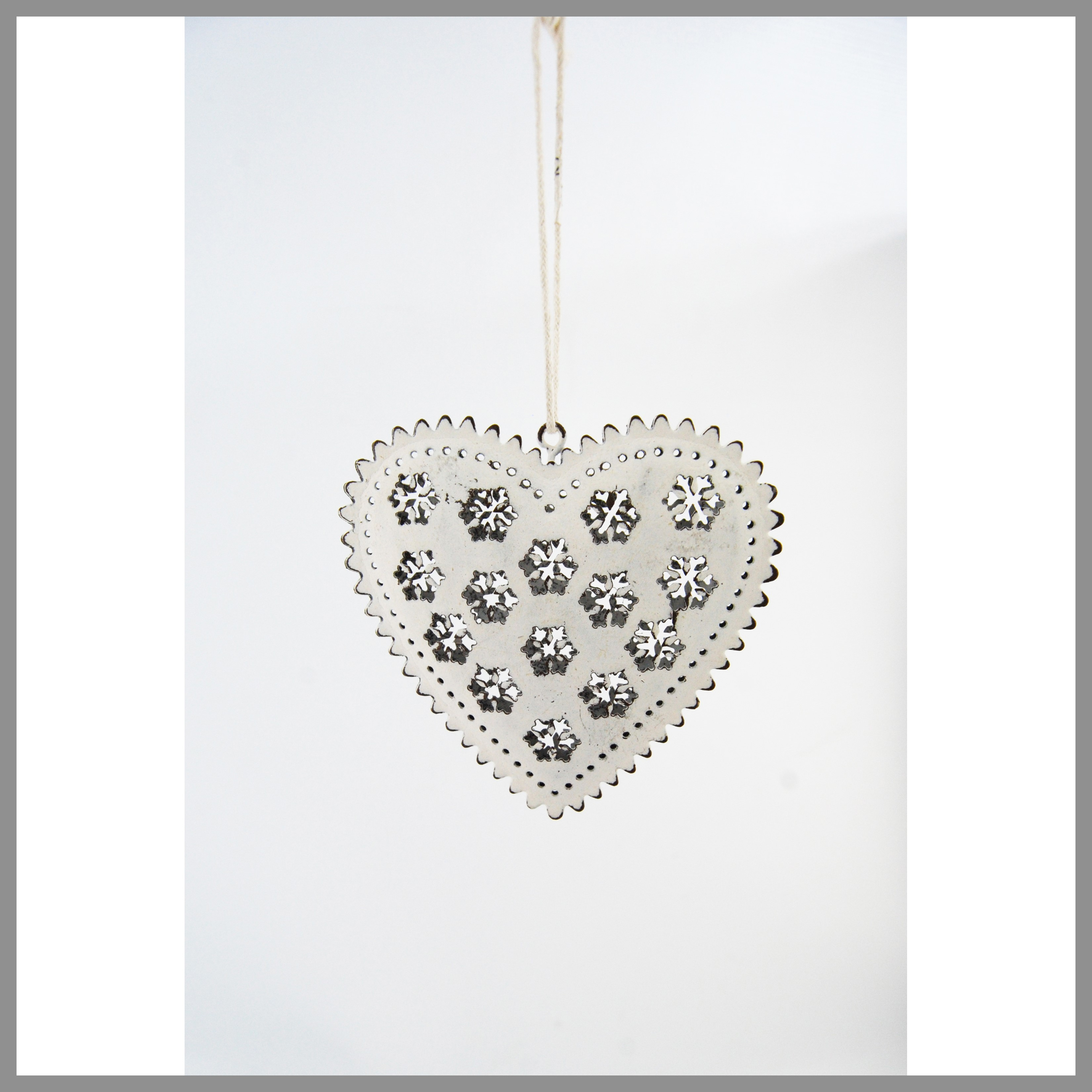 HANG.TIN HEART WHITE (9cm)