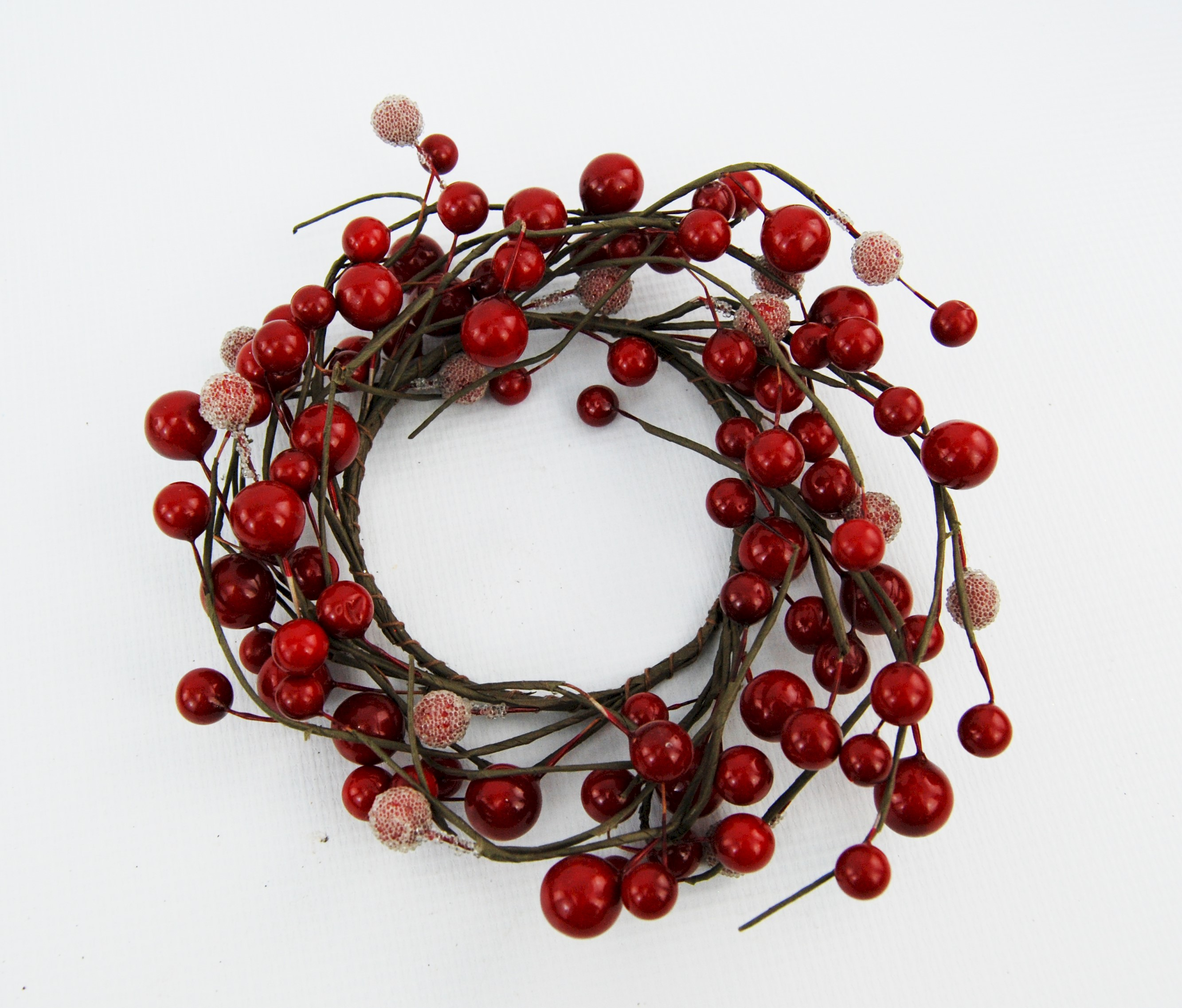 CANDLE RING RED BERRY/PART FROSTED 9cm