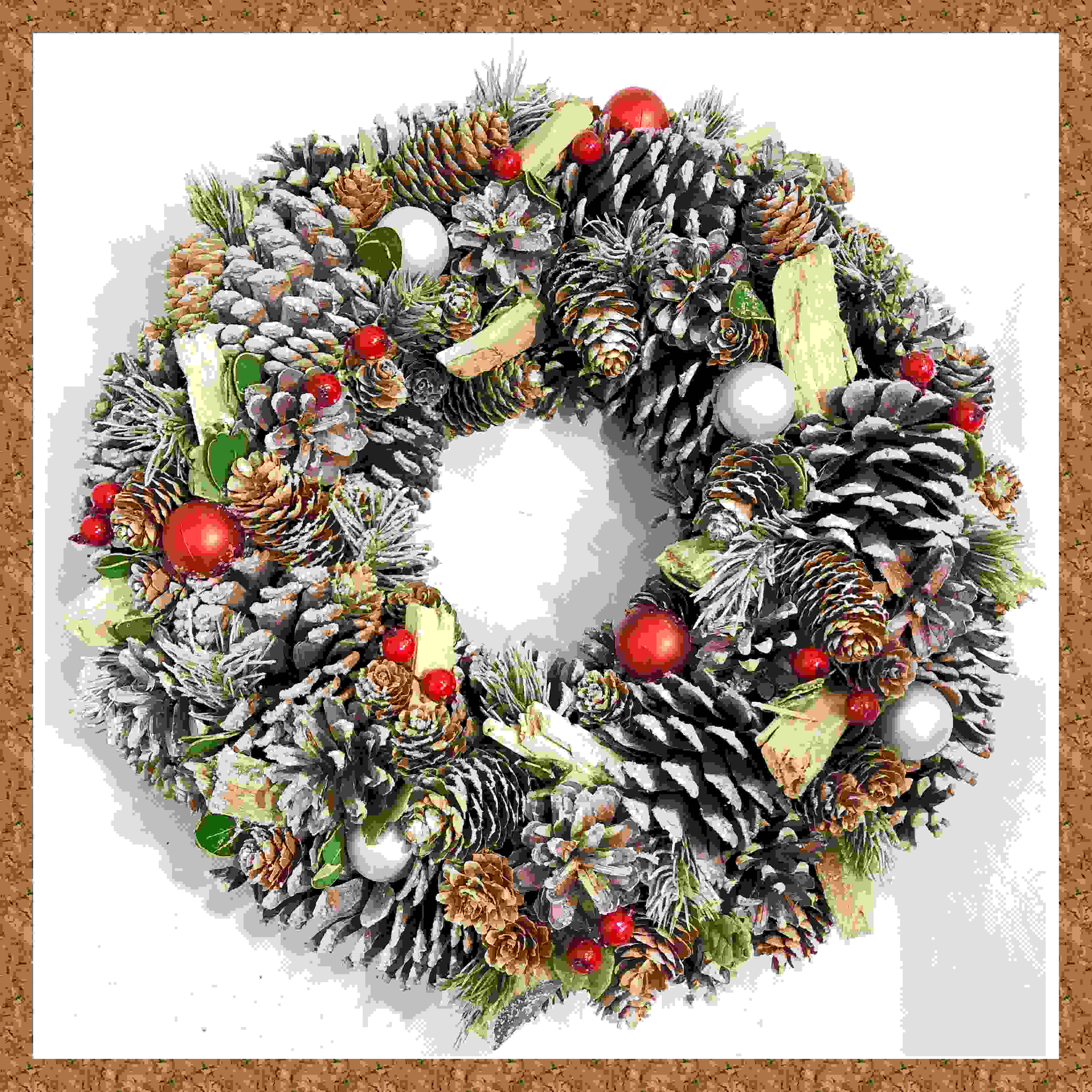 WREATH 39cm NAT P/CONE w/SILVER/RED BERRY