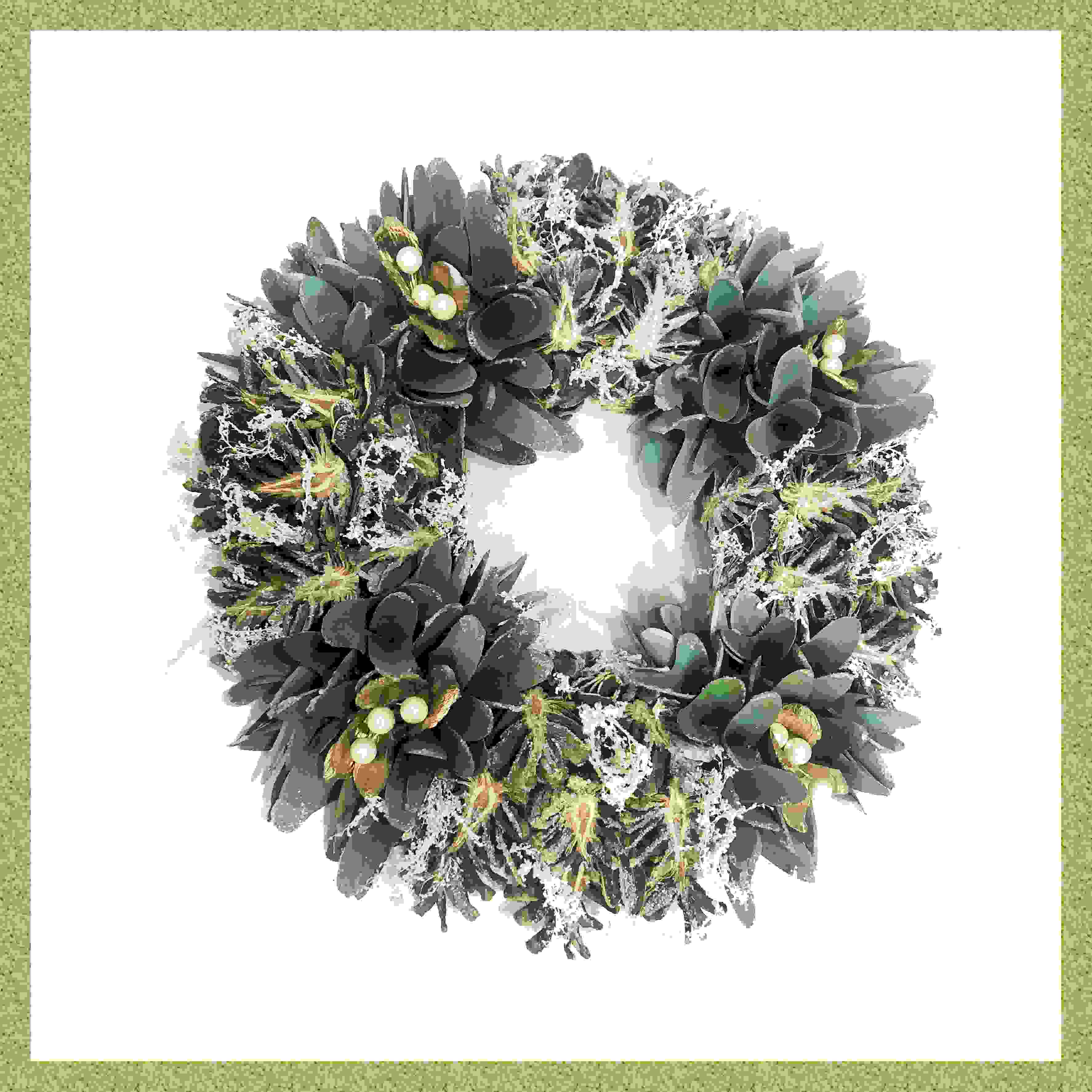 WREATH GREEN WOODSHAVING w/GOLD BERRIES