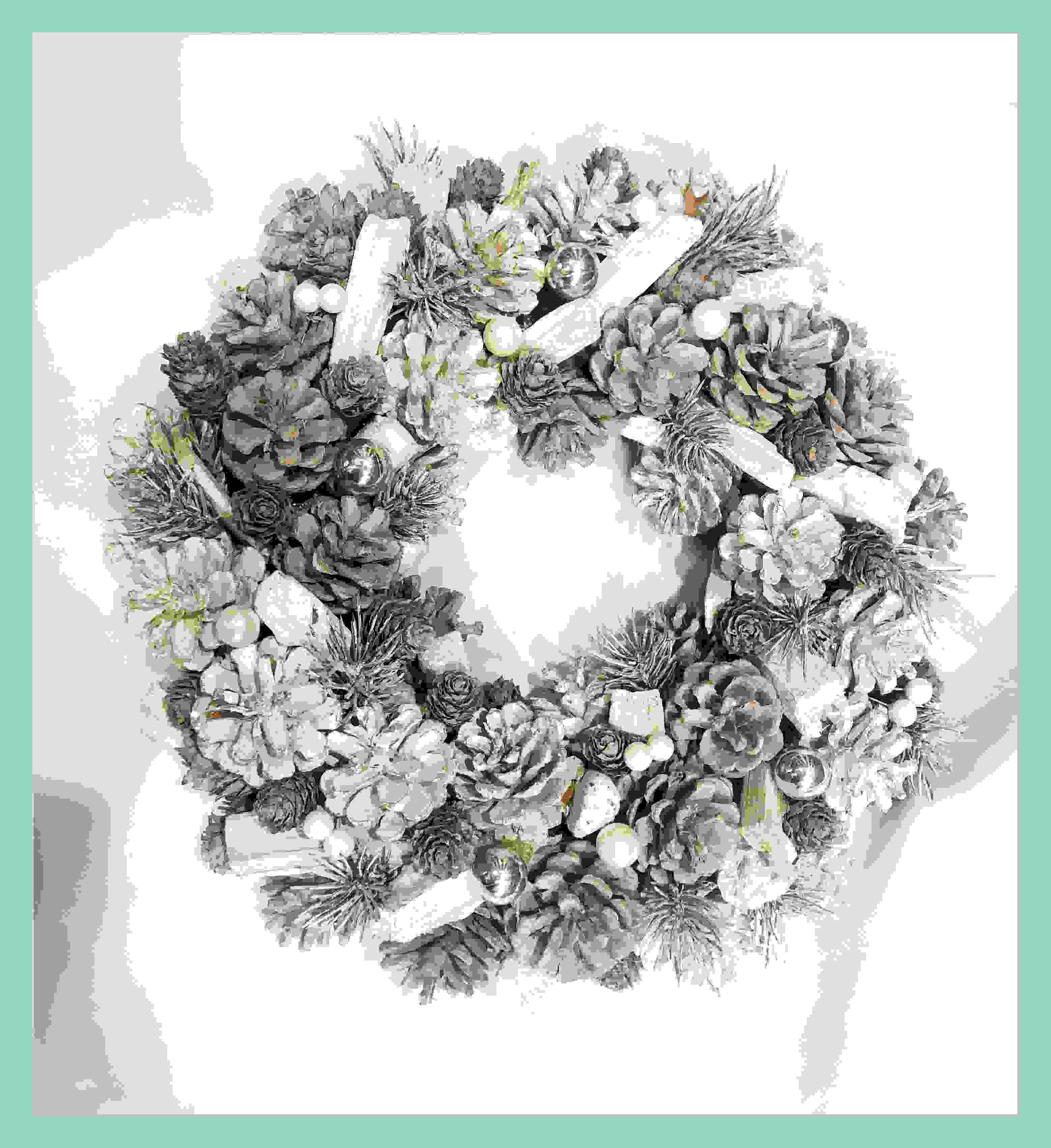 WREATH 34CM GREY CONE/WHITE BERRY